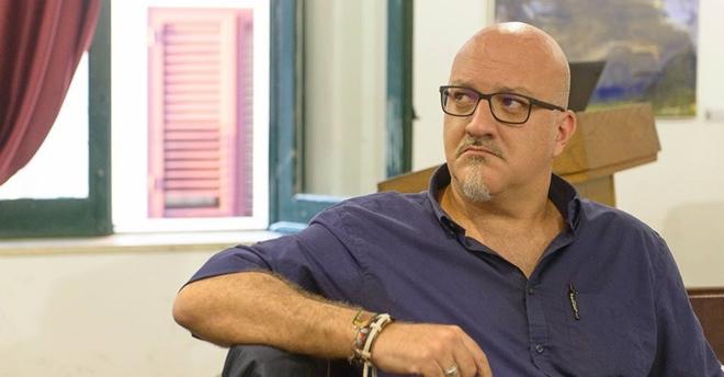 """Roberto Crinò raccolta """"Ineffabile mutazione"""": poesie in divenire e altre storie"""