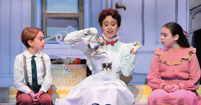 """Basta un poco di zucchero e """"Mary Poppins"""" vola al Teatro Sistina di Roma"""