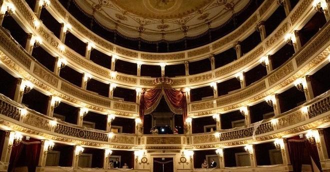 A Bari (ri)torna a splendere il Teatro Niccolò Piccinni distrutto dalle fiamme